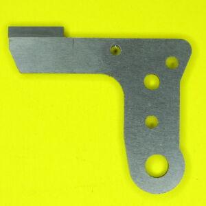 Elna 704 alsó kés  - H004137